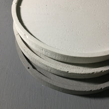 "Concrete round tray / accessory holder (large) - ""white"""