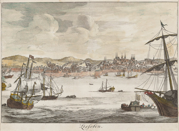 Antieke prent. Antique print. Nice lively view at Lisbon seen from the sea, with ships in the foreground and mountains in the back. antique print, engraving, portugal. lisbon, lissabon. lisboa