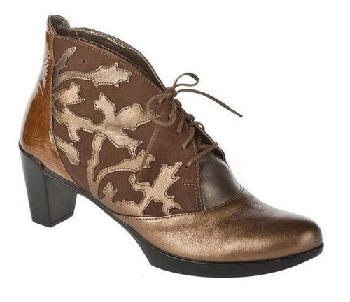 Naot Baccio Boot Gold