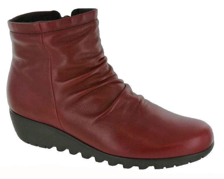 Munro Riley Boot Red