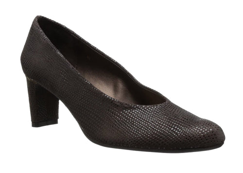 Vaneli Dayle Tmoro Brown Pump