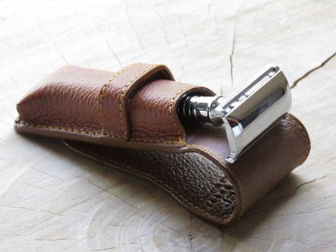 Parker safety razor pouch in brown - Bundubeard