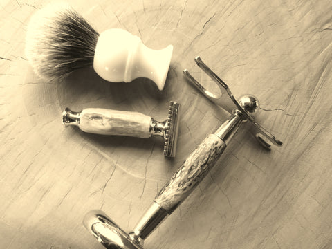 Custom driftwood shaving set with safety razor - Bundubeard
