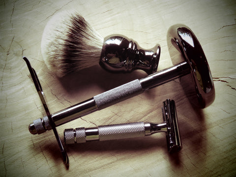 Unmarked metal razor and brush stand - Bundubeard
