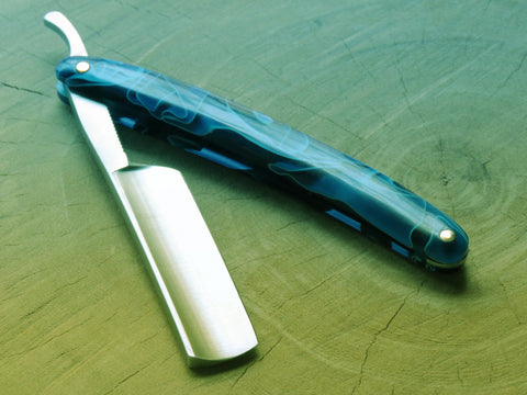 Straight Razor. ZY 35333 Blue resin - Bundubeard