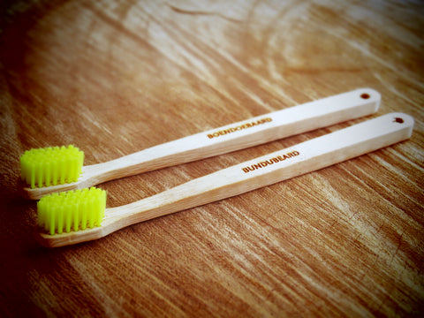 Coloured bristle bamboo toothbrush - Bundubeard