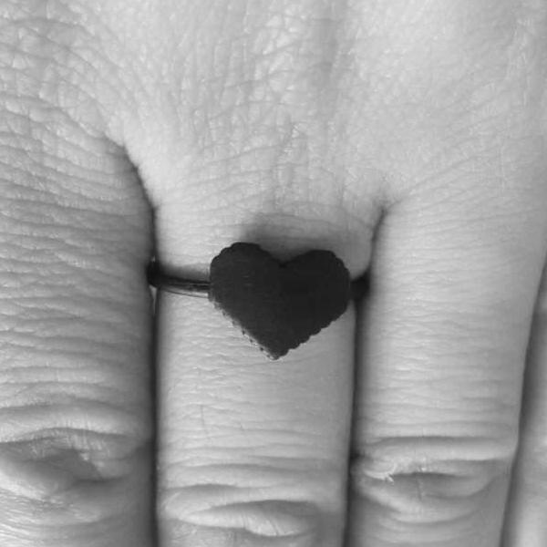 Pixel Heart Ring -geek Grunge Matte Matt Geometric pixel heart Simple Post-apocalyptic Futuristic Industrial Black Matte Black Rock Ring Pentagram Nu-goth Metal Gothic Goth