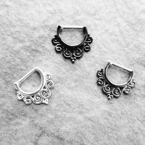Seline SEptum Clicker - Steel Silver septum Rock Piercings Piercing Nu-goth nose Metal hanger Gunmetal Gun-metal Gothic Goth Filigree Delicate Curly crystal clicker body jewelry body jewellery Accessory