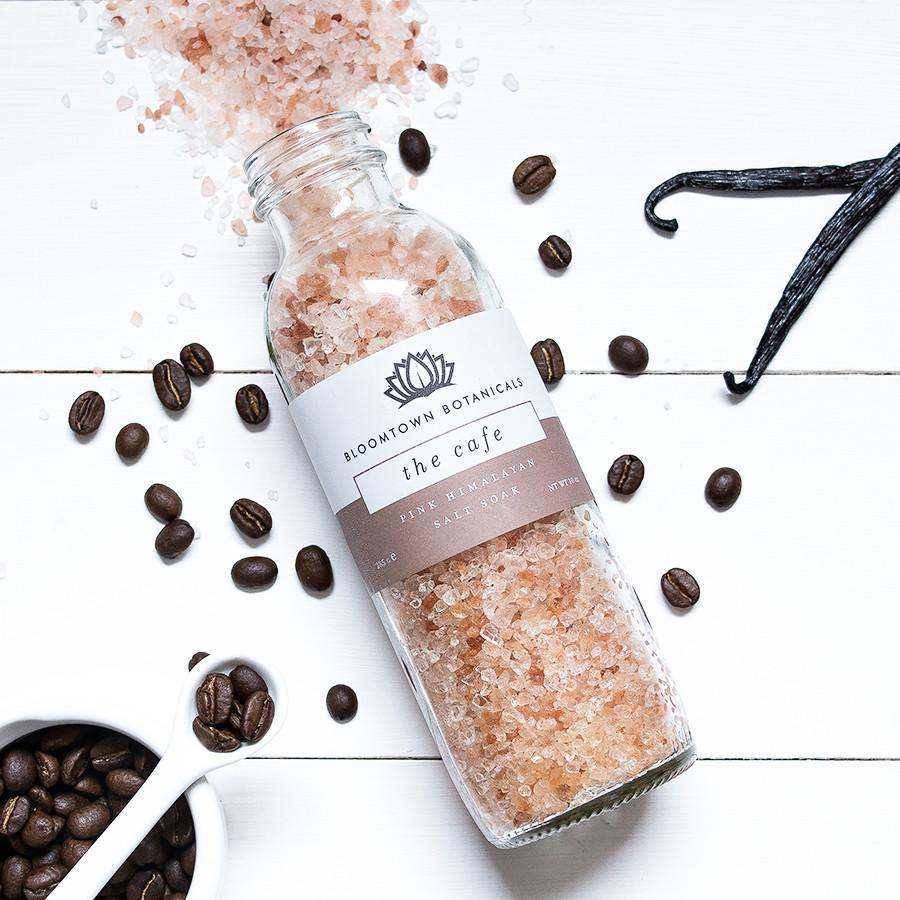 Pink Himalayan Salt Soak - The Cafe (Vanilla & Hazelnut)