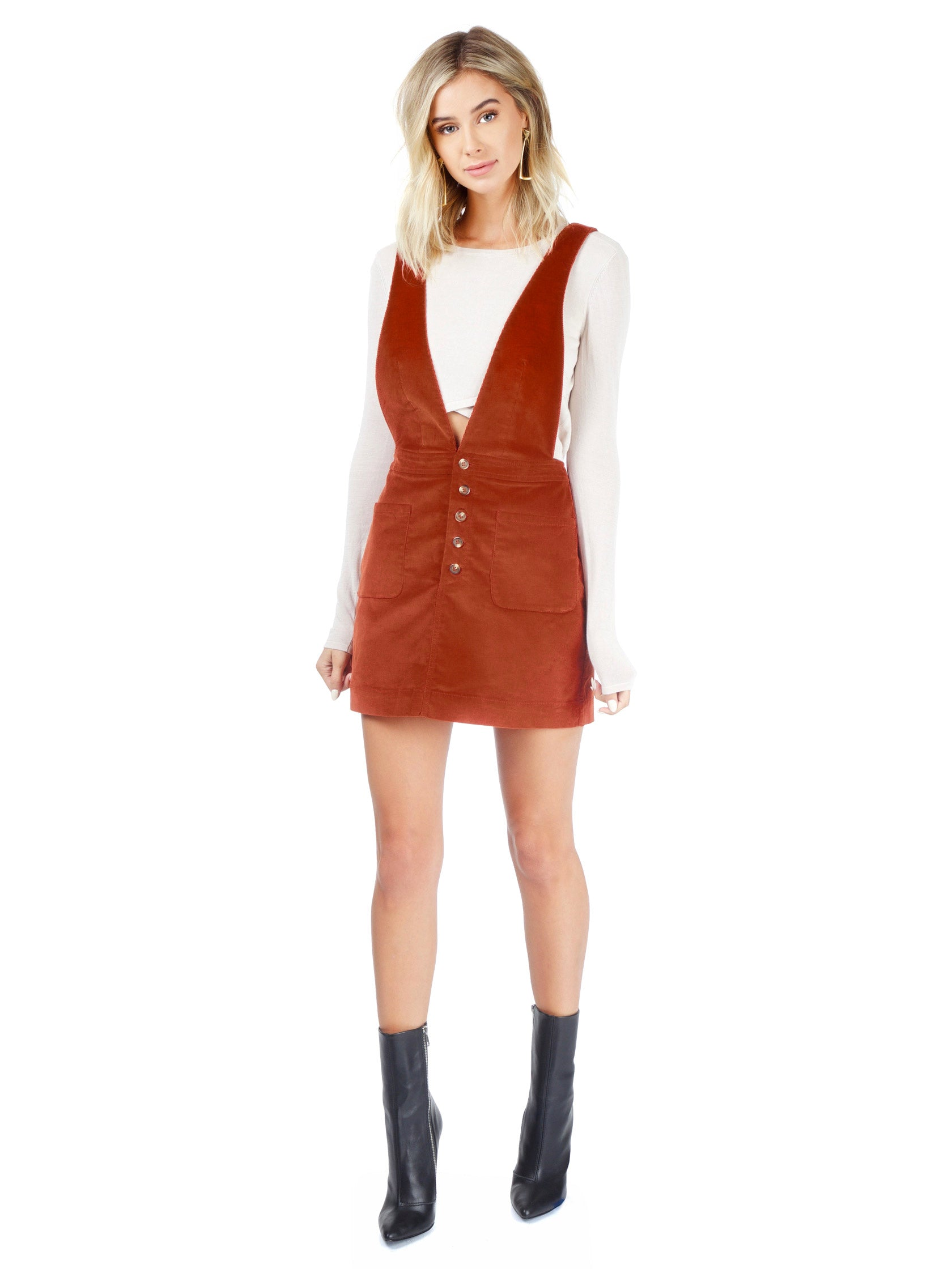d506f8690b8ef Girl outfit in a dress rental from Free People called Old School Love Jumper
