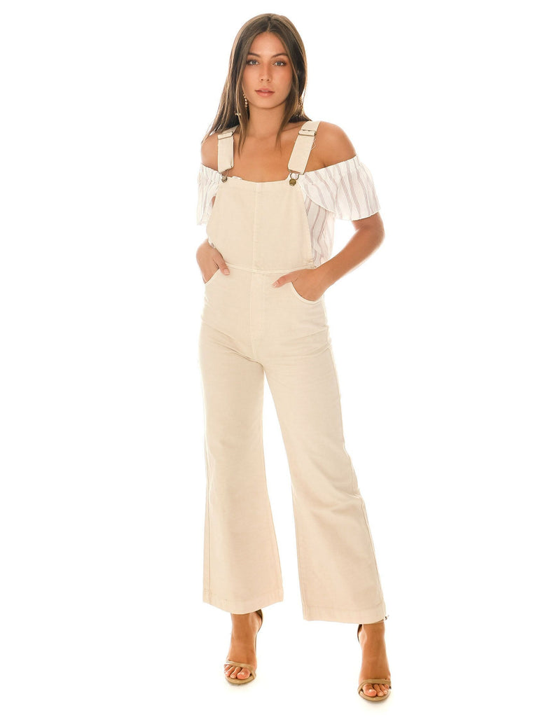 Women outfit in a overalls rental from ROLLAS called Vacay Vibes Romper