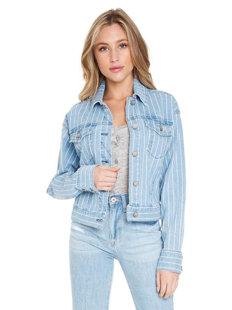 Women wearing a jacket rental from UNPUBLISHED DENIM called Elle Linen Blazer