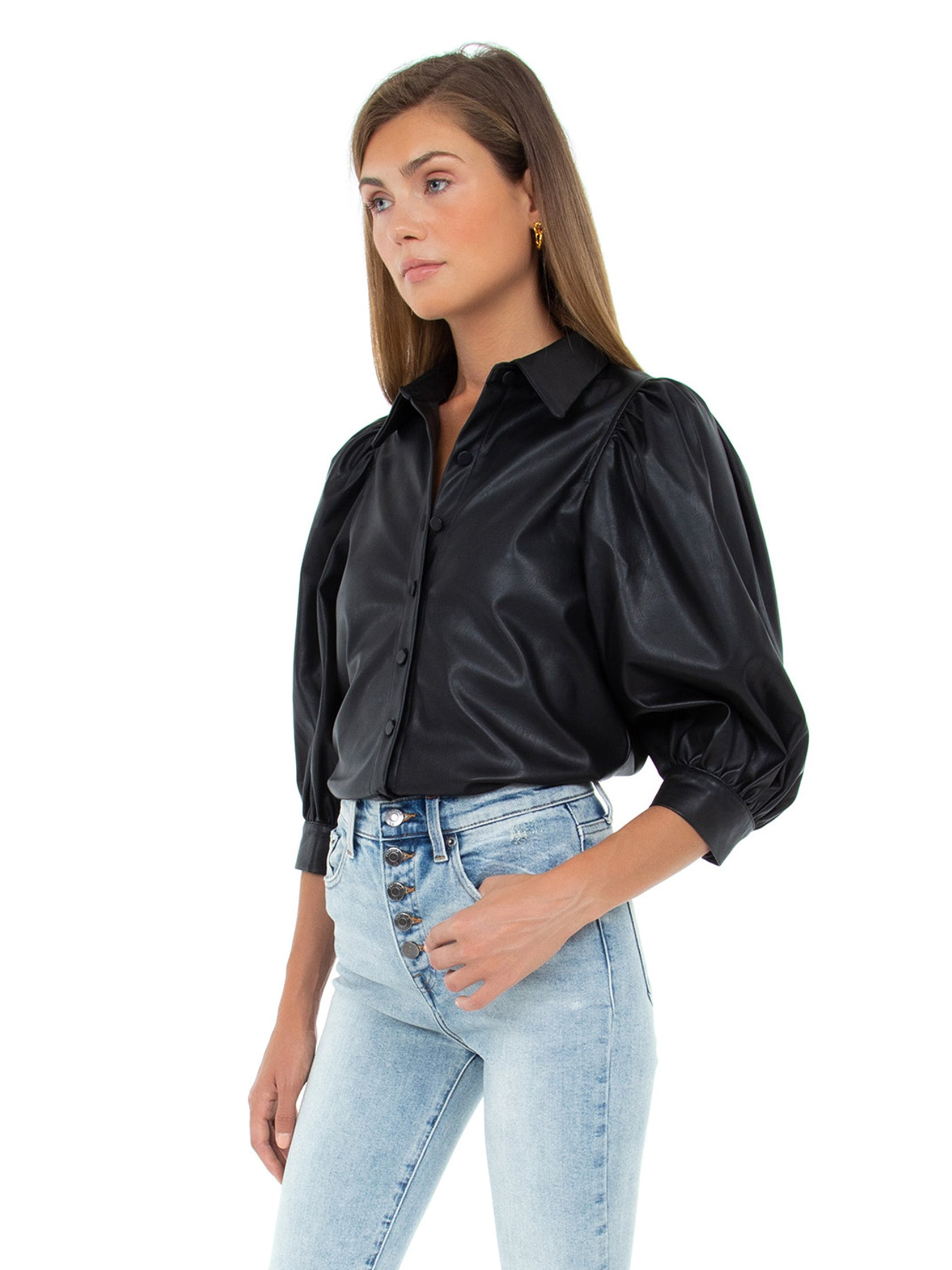 Women outfit in a top rental from PISTOLA called Adina Puff Sleeve Shirt