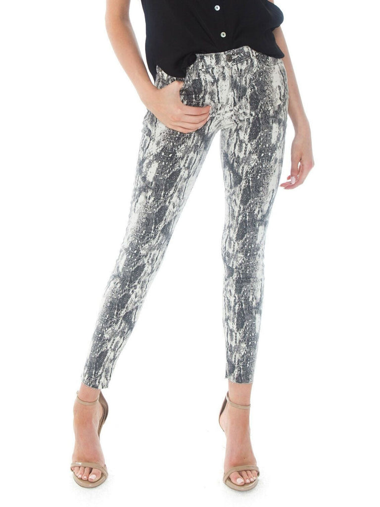 Women outfit in a pants rental from PISTOLA called Alessa Track Pant