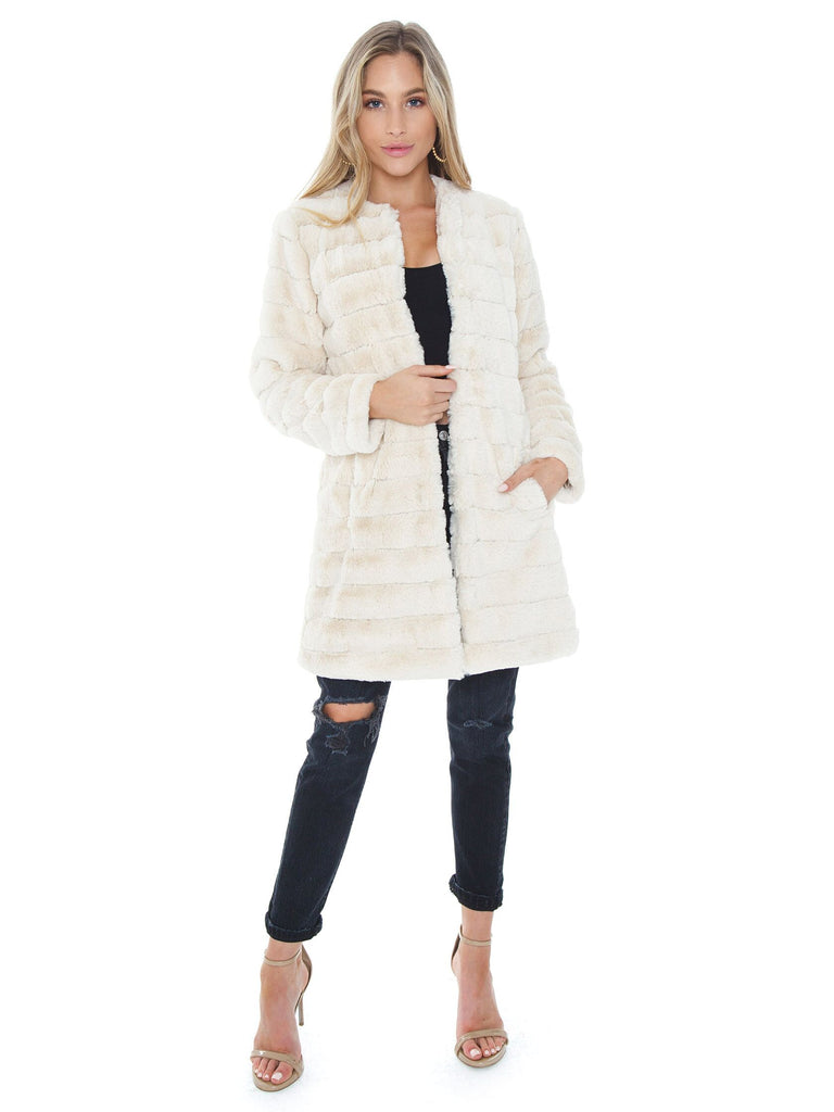 Girl outfit in a jacket rental from BB Dakota called Fab Moment Faux Fur Jacket