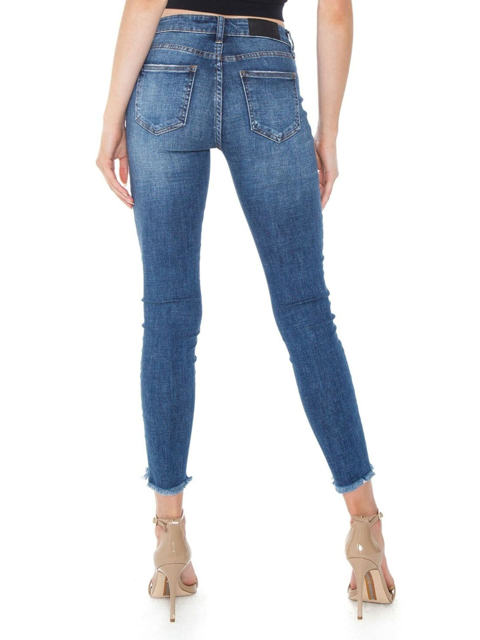 Women outfit in a denim rental from PISTOLA called Audrey Mid Rise Skinny