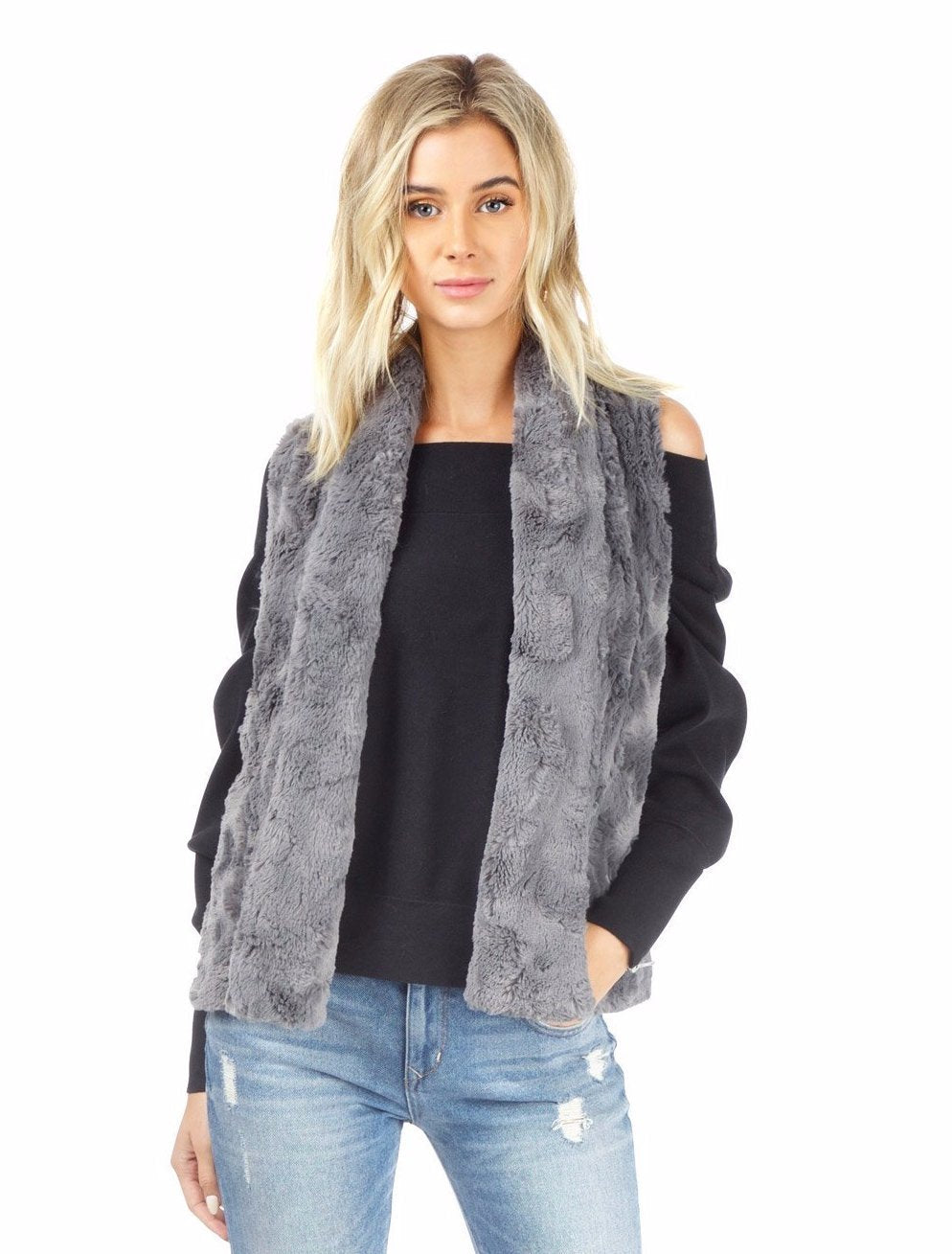 Women outfit in a vest rental from BB Dakota called Jack By Bb Dakota Cheerio Faux Fur Vest