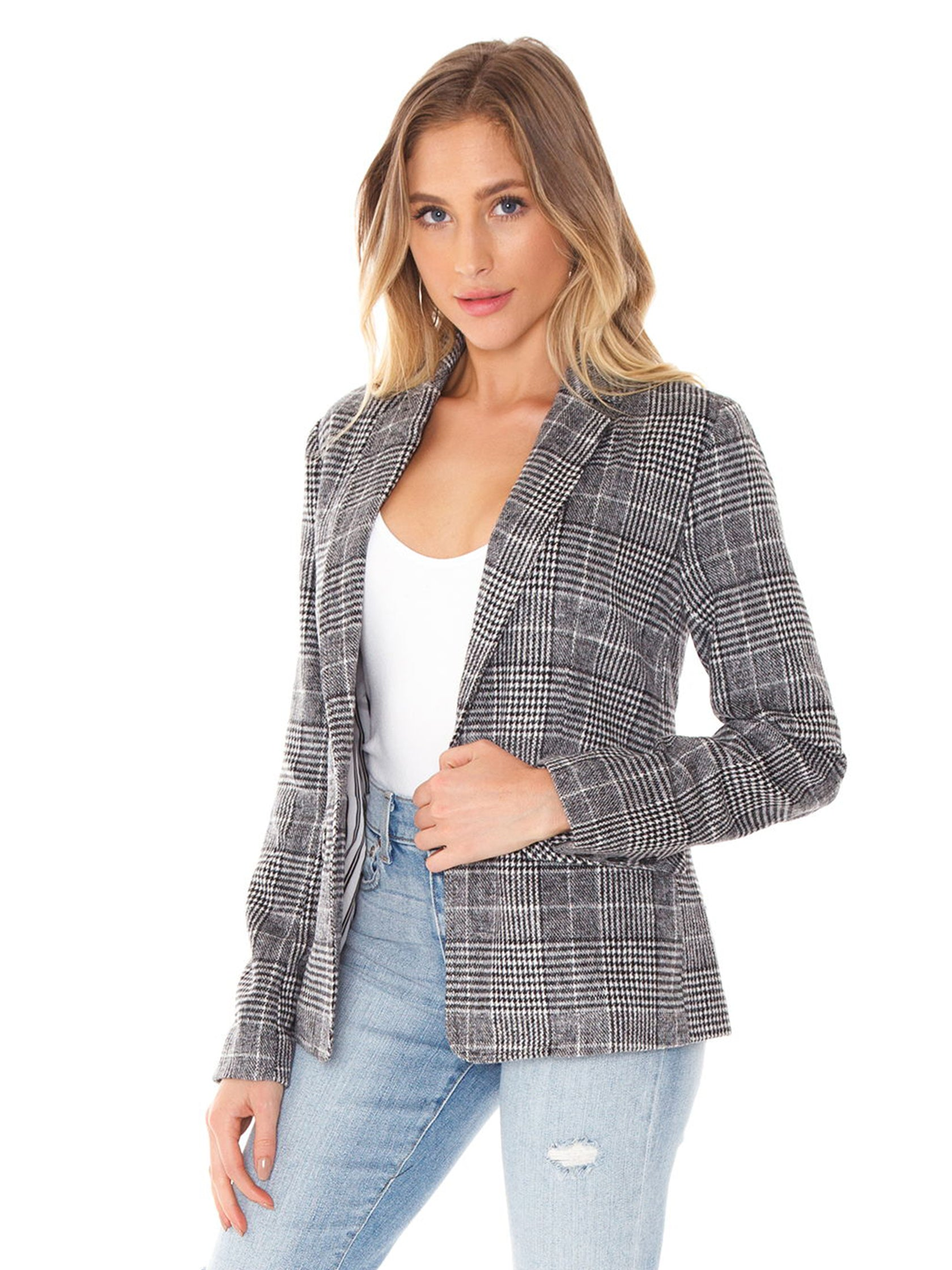 Woman wearing a blazer rental from Cupcakes and Cashmere called Bela Blazer