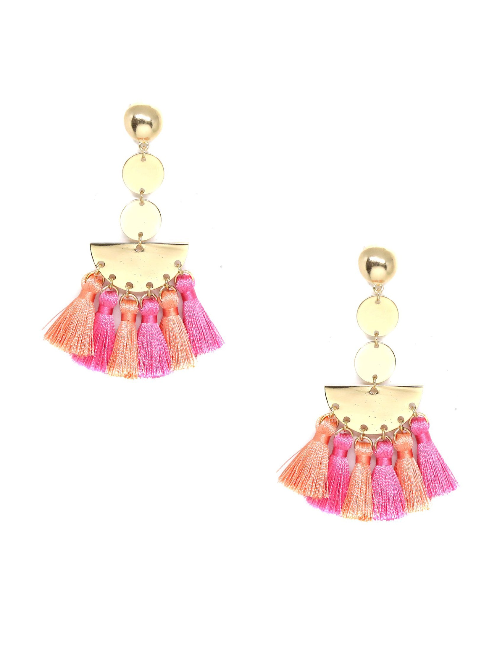 Women outfit in a earrings rental from Ettika called Bianca Earring