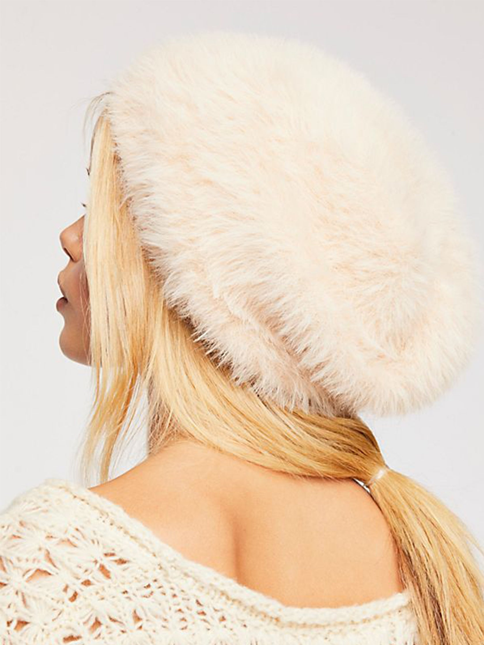 Women wearing a hat rental from Free People called Big Sky Slouchy Beanie