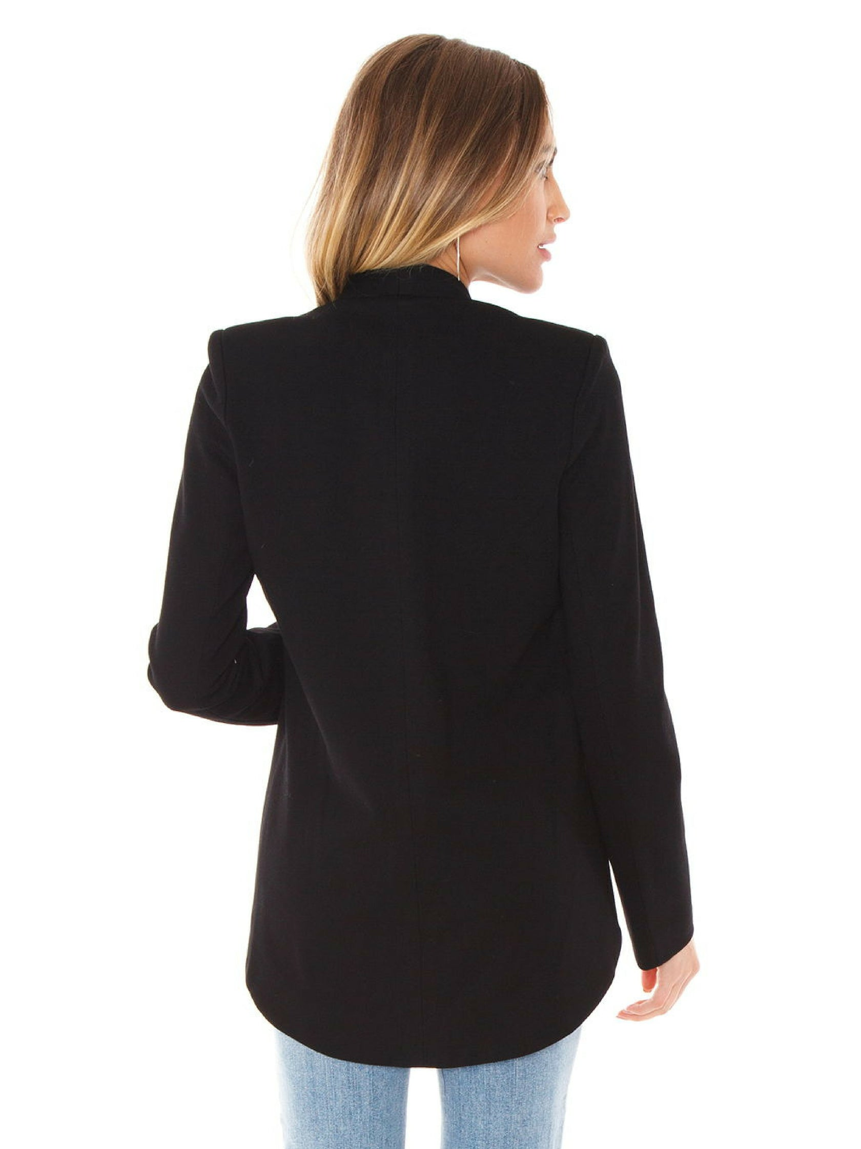 Women outfit in a blazer rental from BLAQUE LABEL called Blazer
