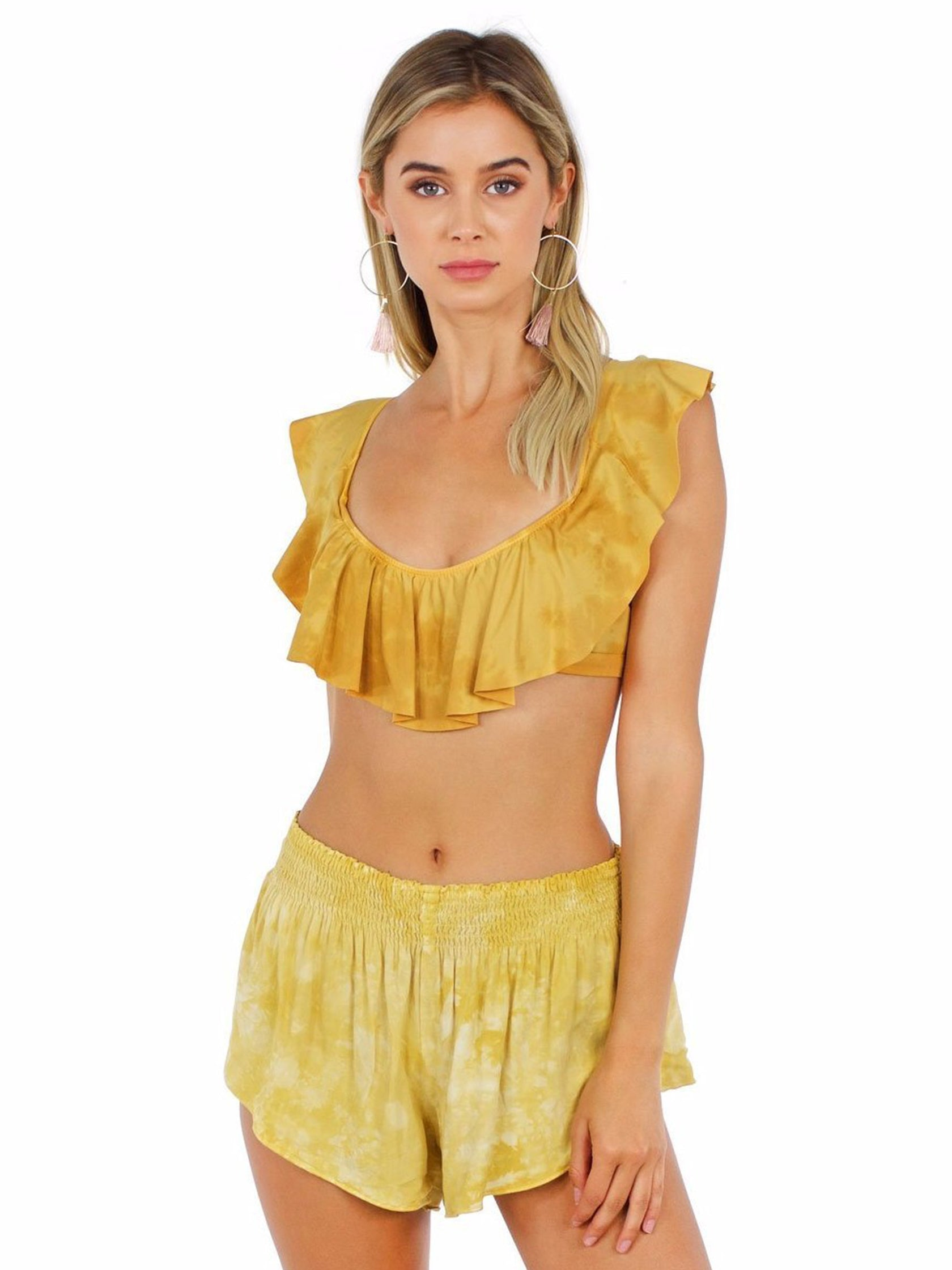 Women outfit in a top rental from Blue Life called Flutter Bikini Top