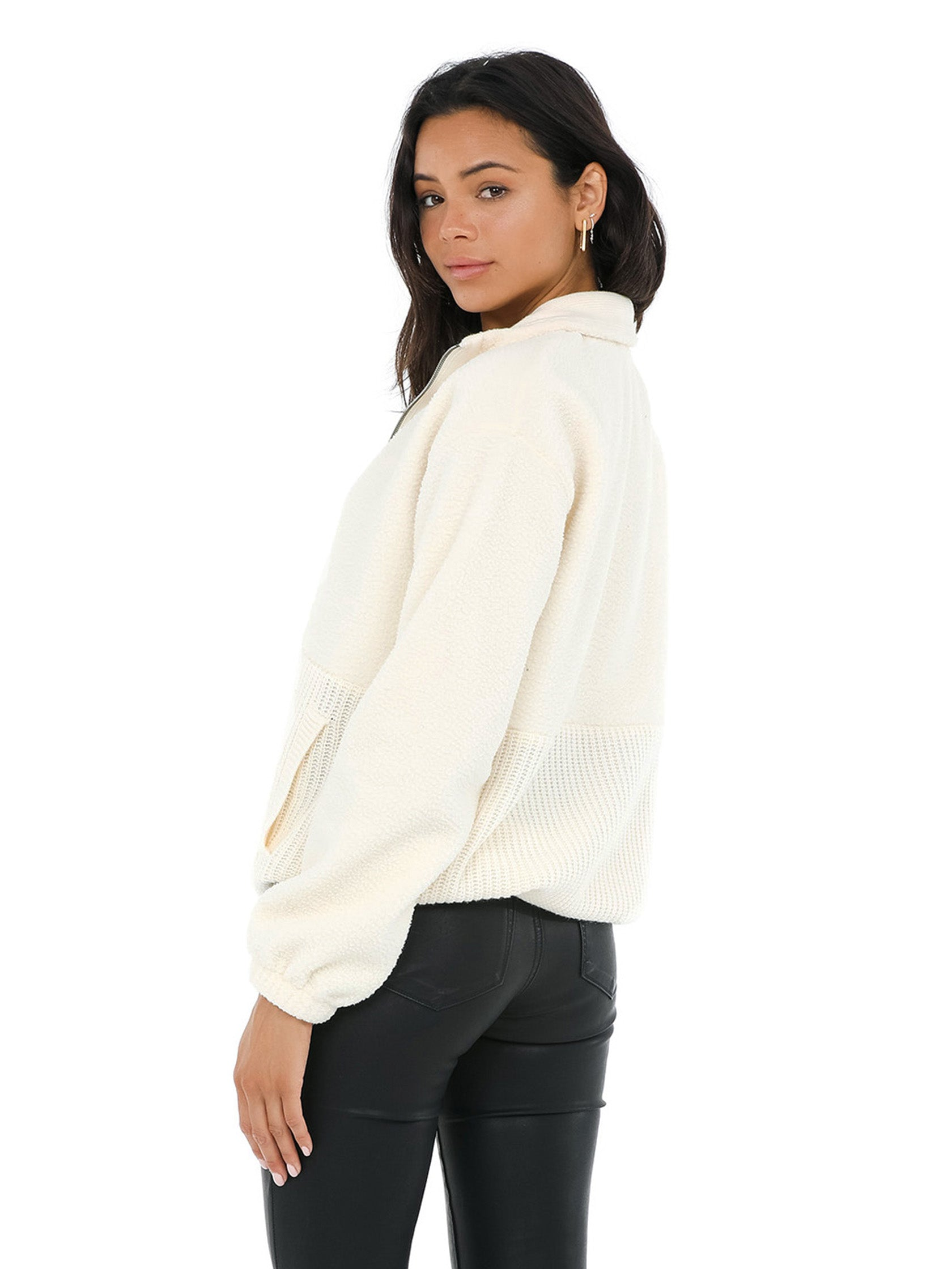 Women outfit in a sweater rental from Splendid called Boulder Half-zip Pullover