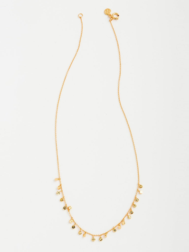 Girl outfit in a necklace rental from Gorjana called Laguna Gold Adjustable Necklace