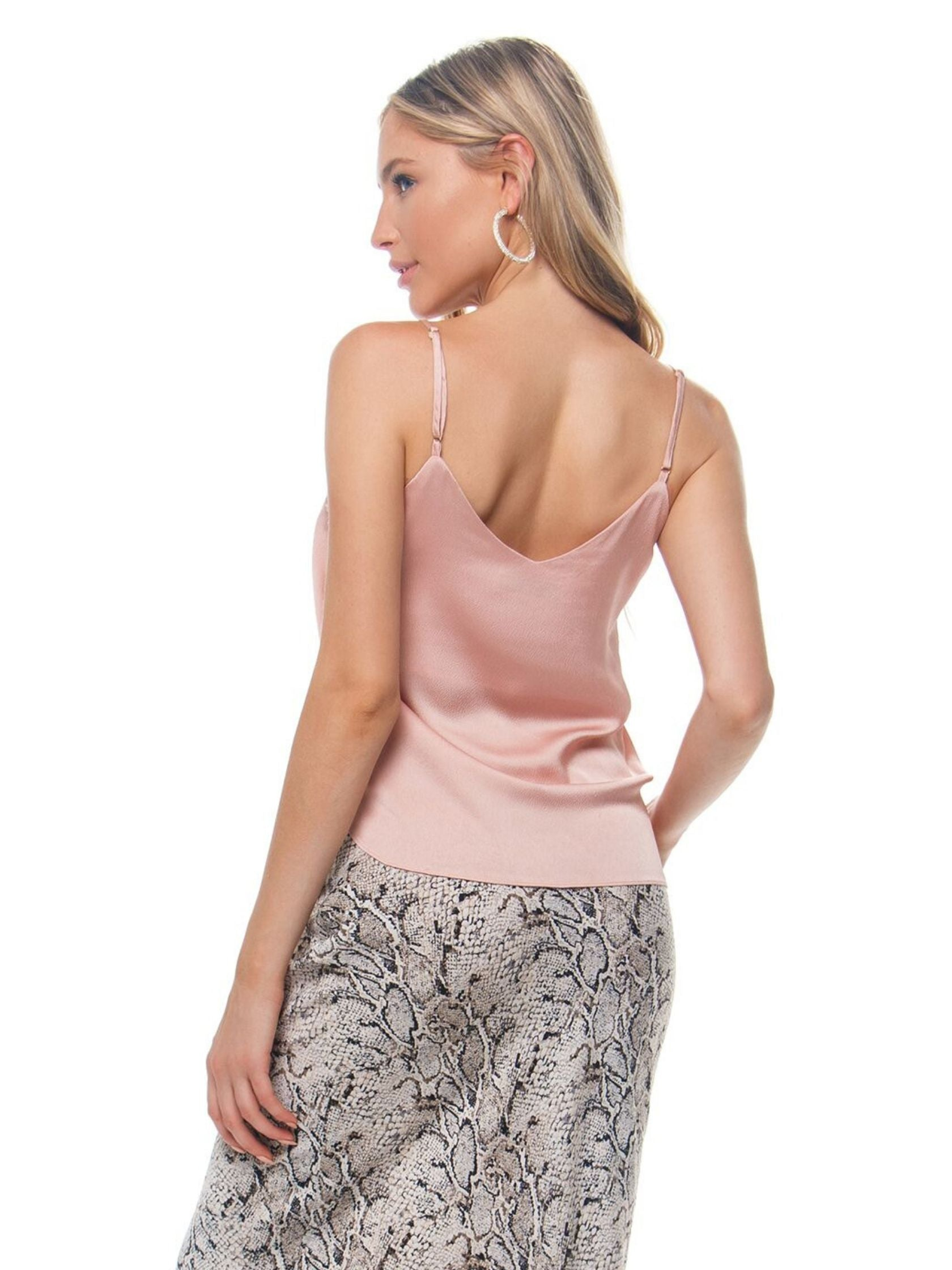 Women outfit in a cami rental from Heartloom called Cooper Cami