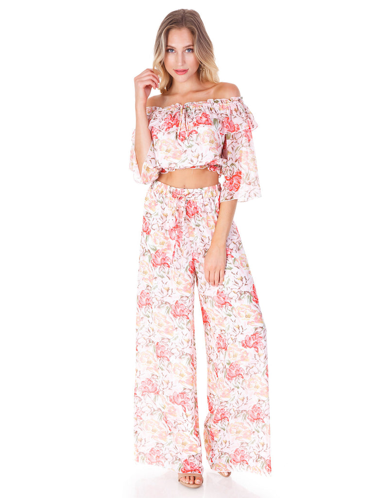 Women outfit in a bottoms rental from WAYF called Gwyneth Ruffle Maxi Dress