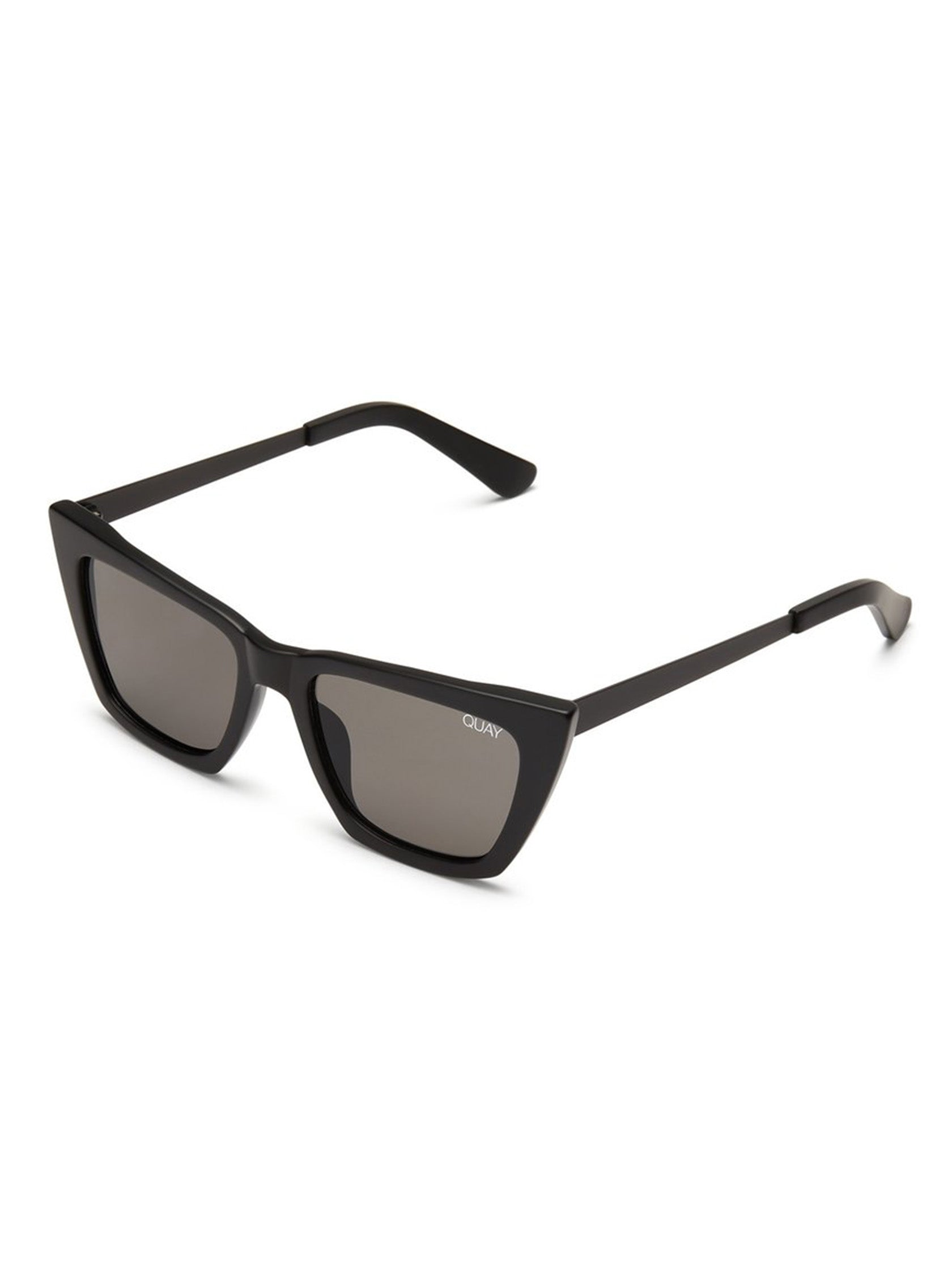 Woman wearing a sunglasses rental from Quay Australia called Don't @ Me Sunglasses