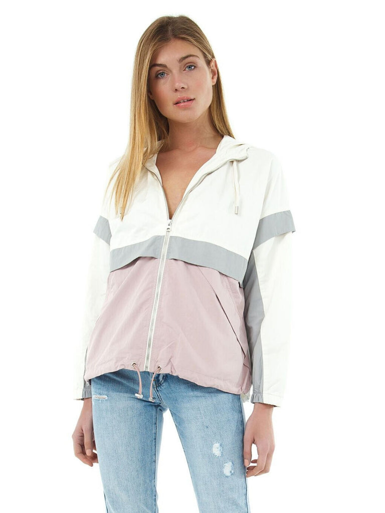Women wearing a jacket rental from PISTOLA called Weekend Breeze Set