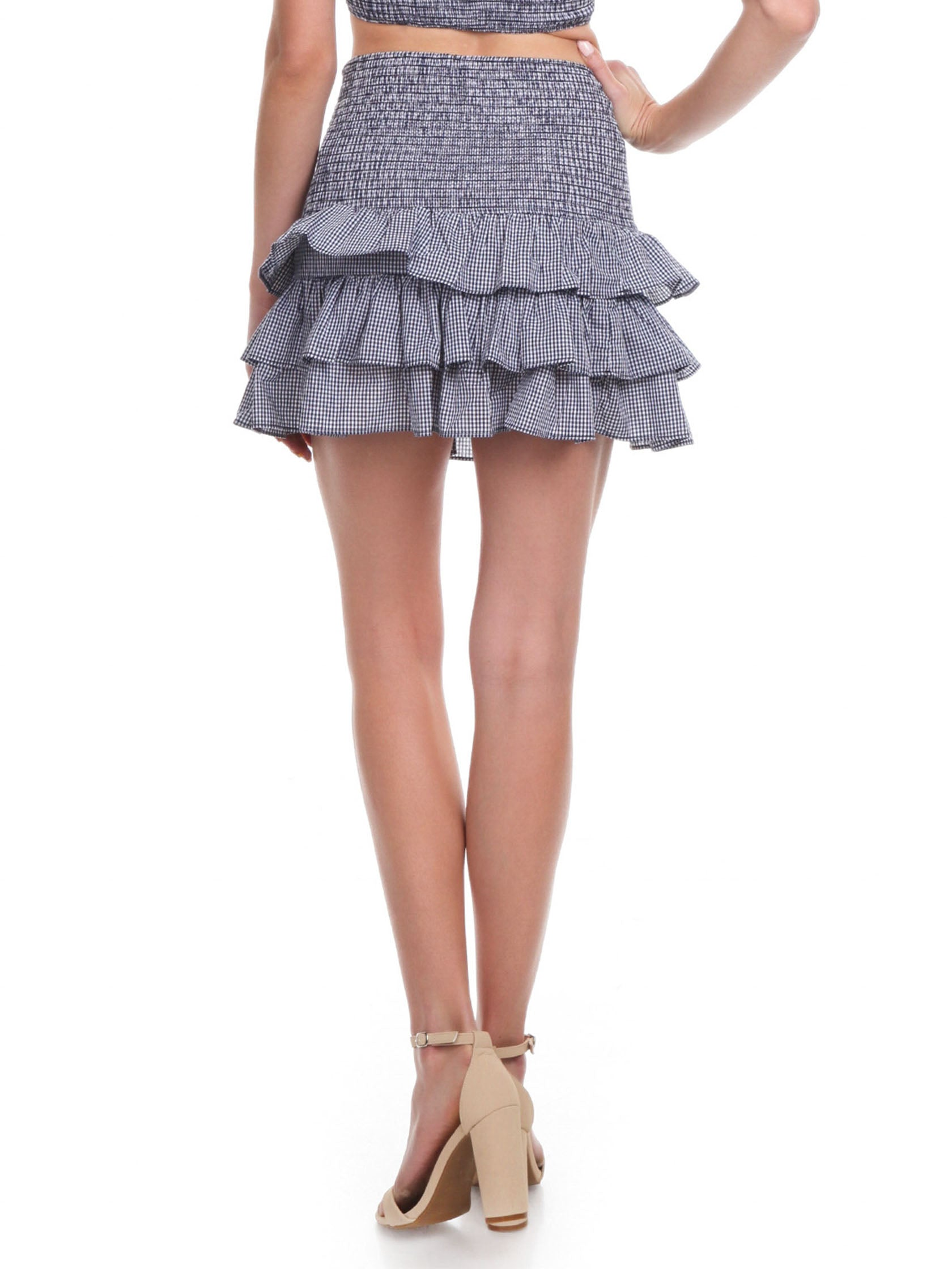 Women outfit in a skirt rental from Tularosa called Drea Skirt