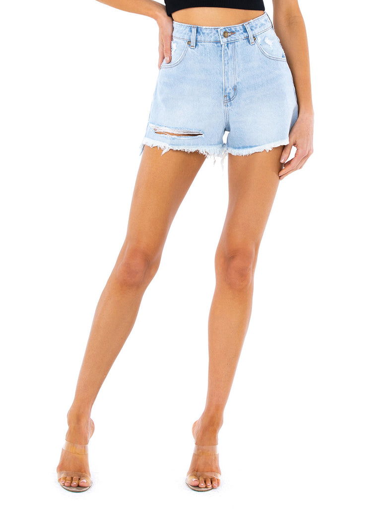 Women wearing a shorts rental from ROLLAS called Dusters Short