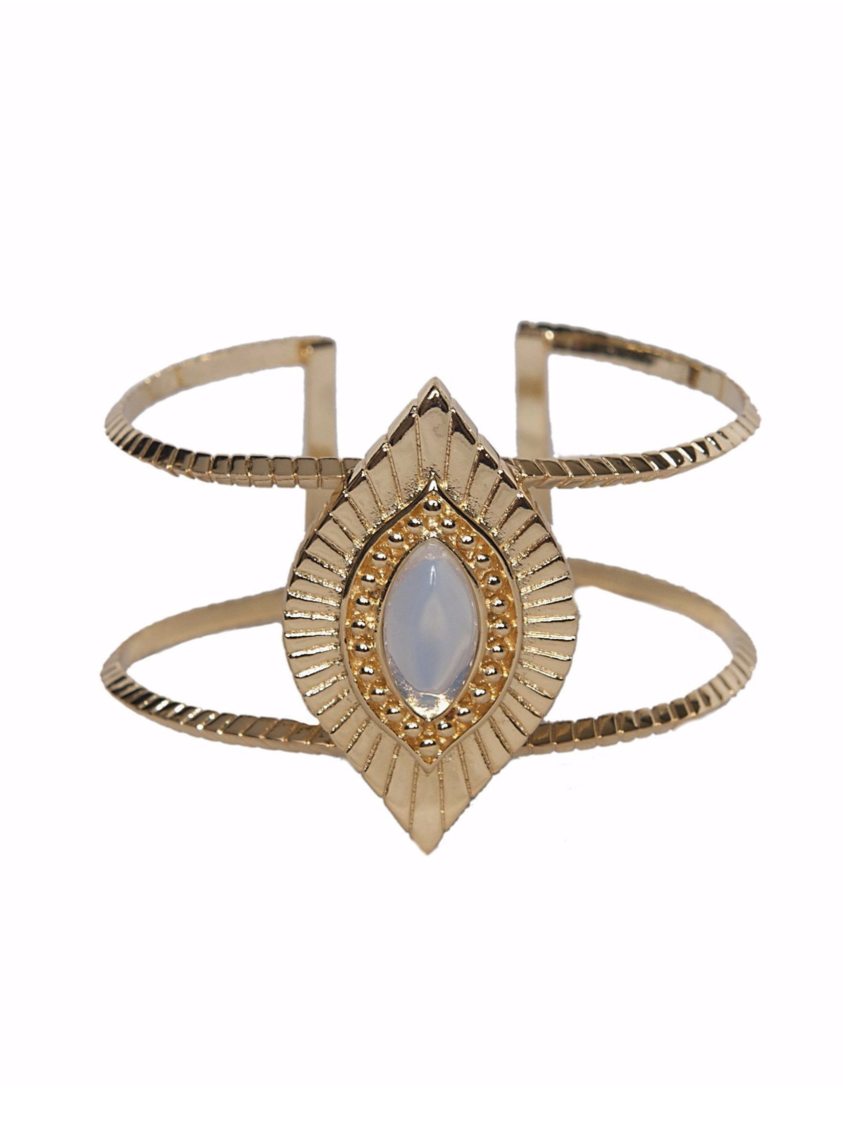 Women outfit in a bracelet rental from Ettika called Sedona Selfie Cuff Opal And Gold