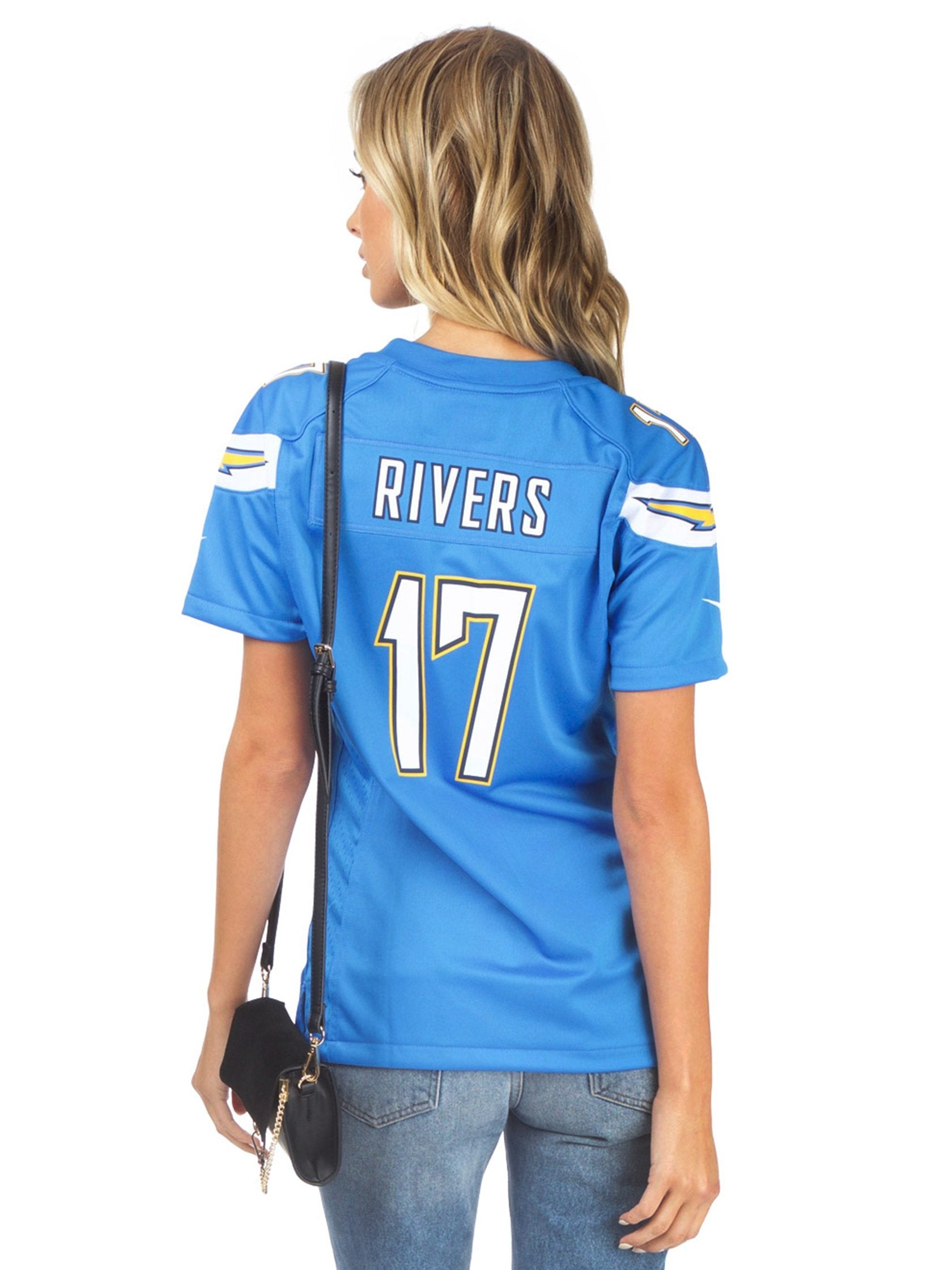 Women outfit in a top rental from FashionPass called La Chargers Jersey