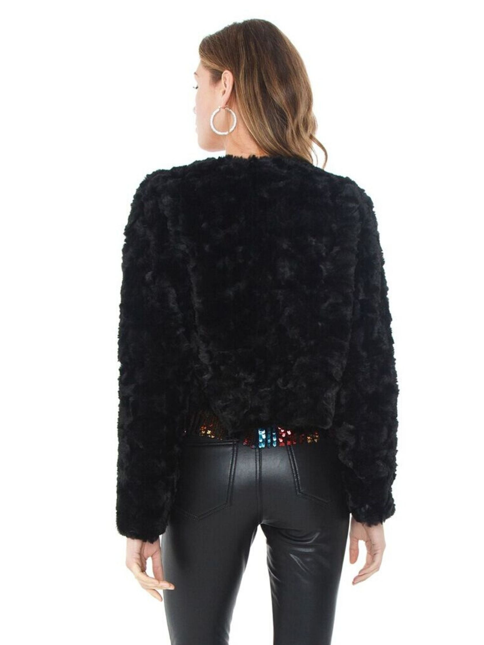 Women outfit in a jacket rental from Line & Dot called Faux Fur Jacket