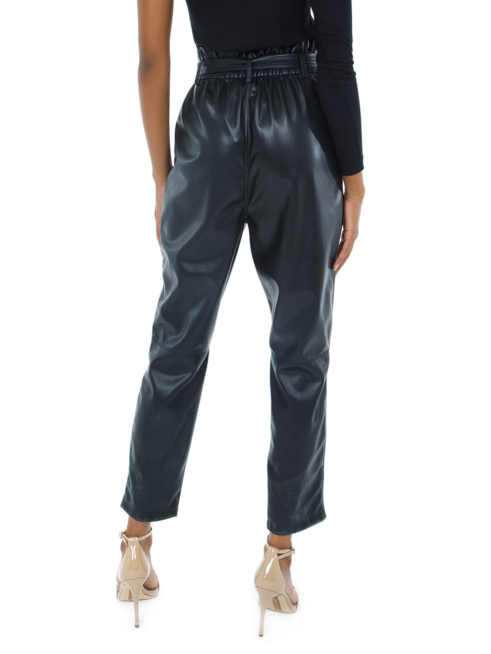 Women outfit in a pants rental from BB Dakota called Faux My Darling Pant