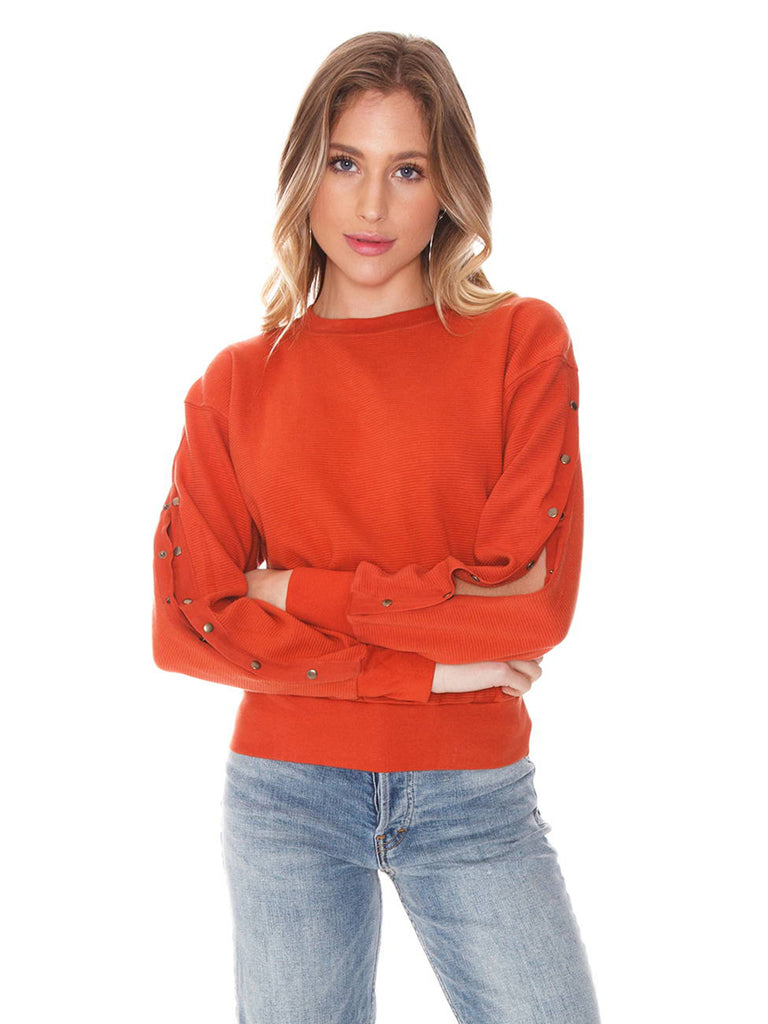 Women wearing a sweater rental from FLETCH called Filomena Sweatshirt