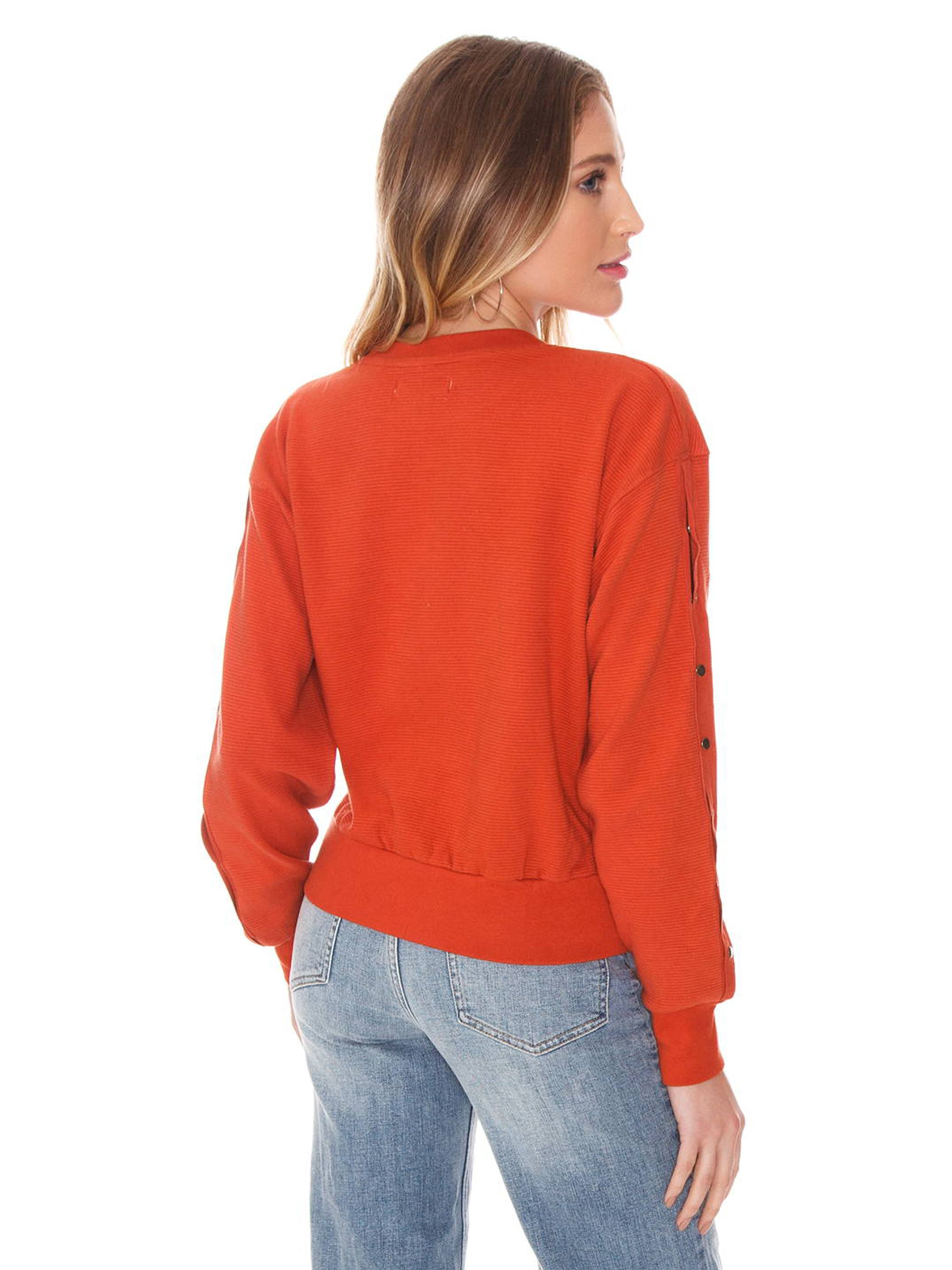 Women outfit in a sweater rental from FLETCH called Filomena Sweatshirt