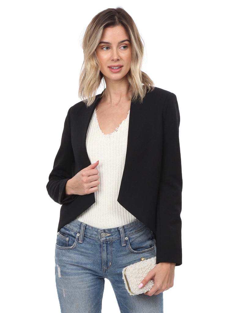 Girl wearing a blazer rental from BLAQUE LABEL called Blazer