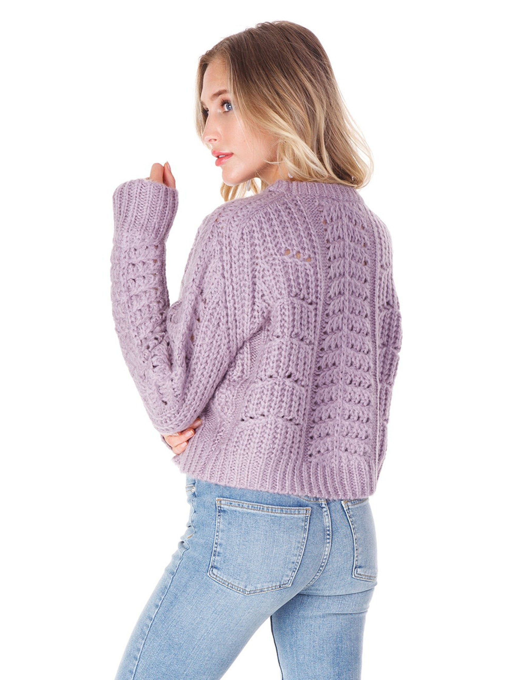 Women outfit in a sweater rental from ASTR called Georgia Sweater