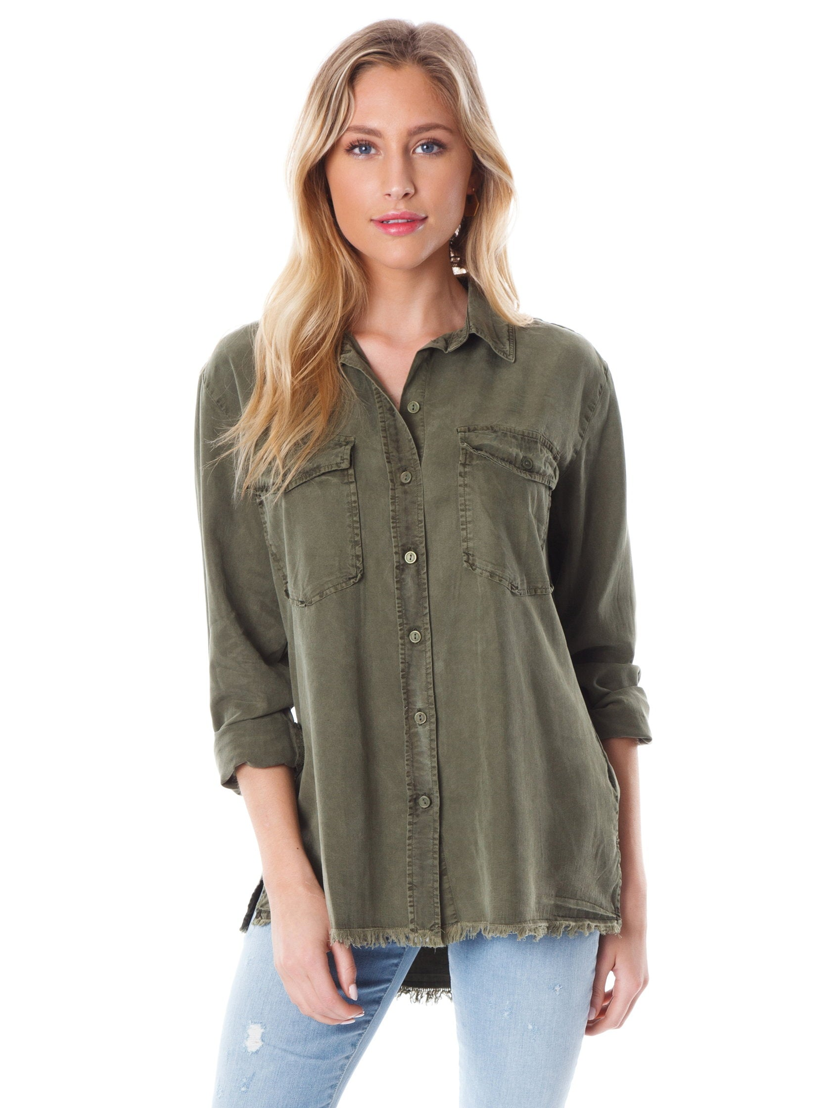 Women outfit in a top rental from SANCTUARY called Gibson Button Down Shirt