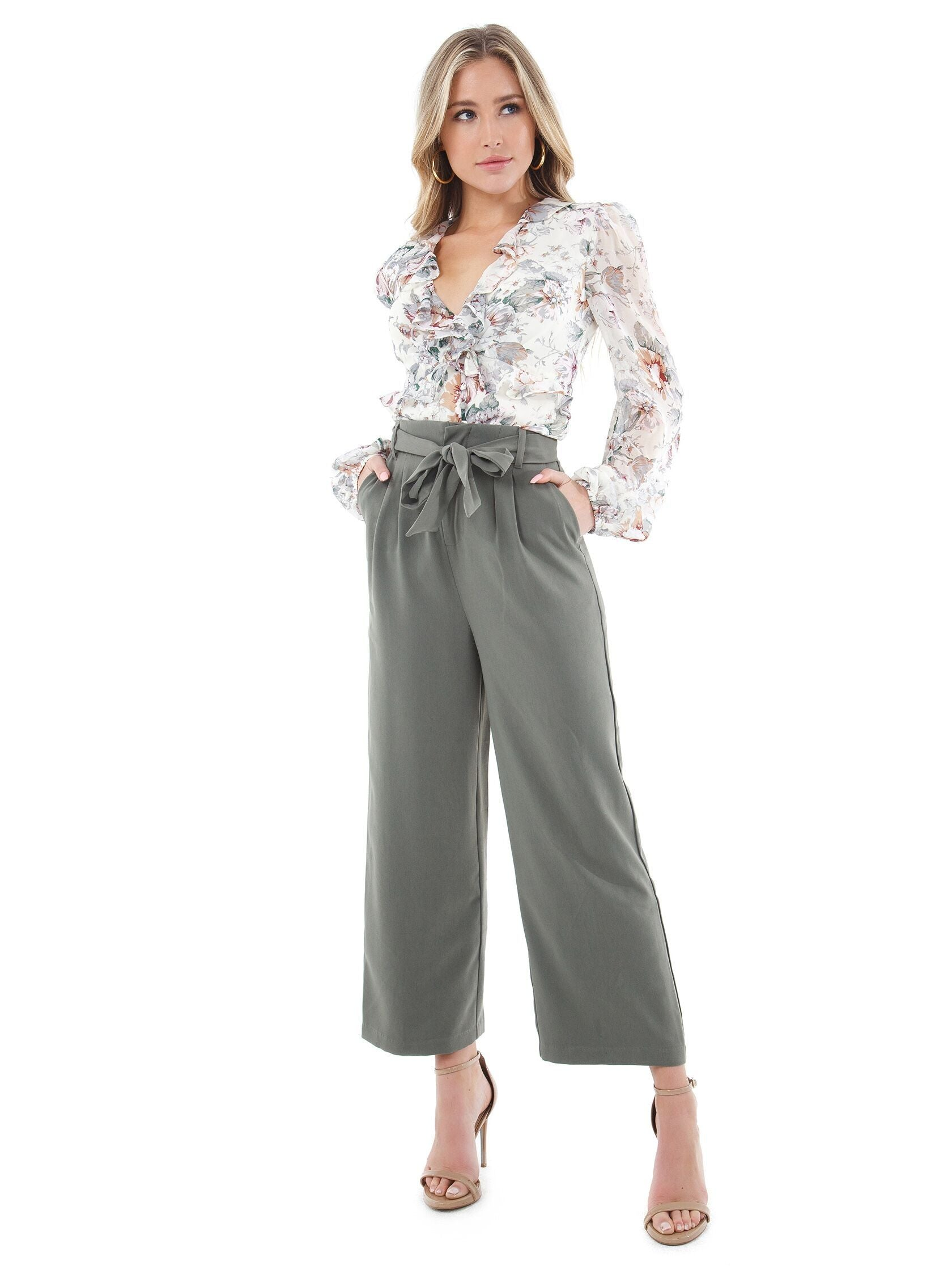 Girl wearing a pants rental from BB Dakota called Go With The Flow Cropped Pant