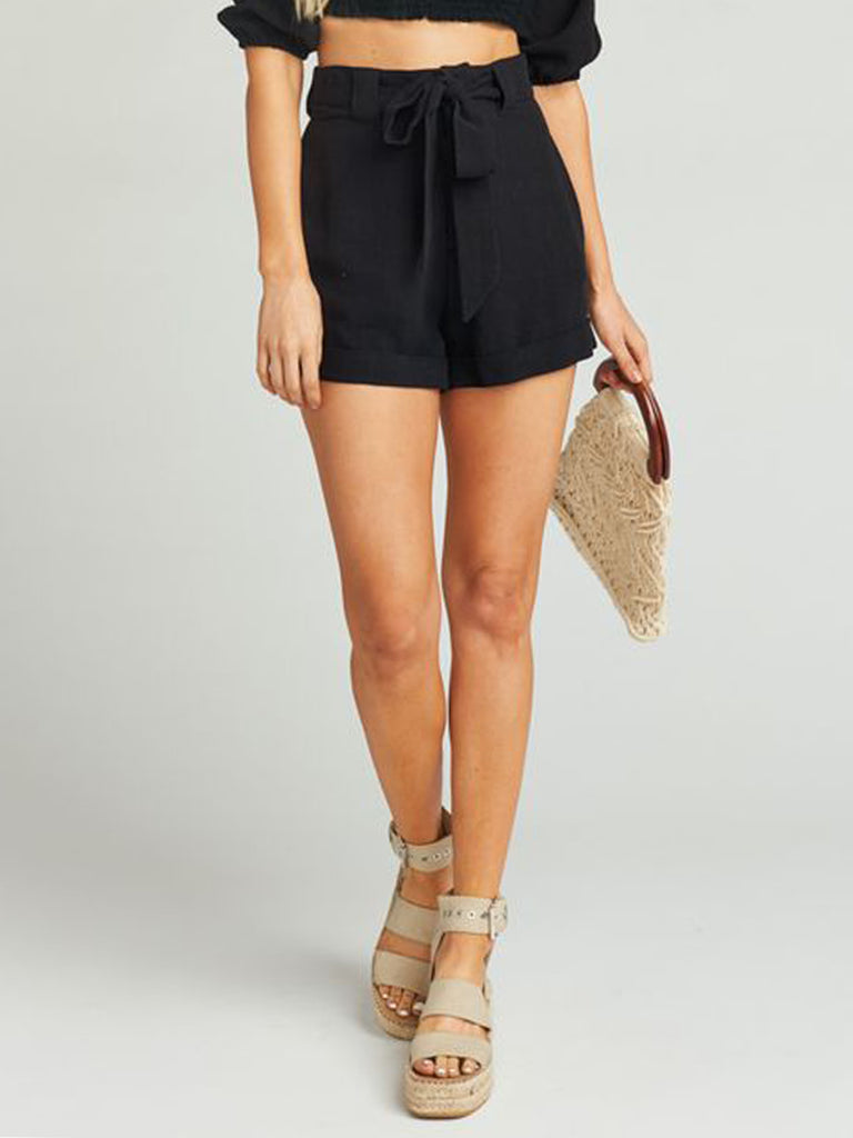 Girl outfit in a shorts rental from Show Me Your Mumu called Cropped Farah Trouser