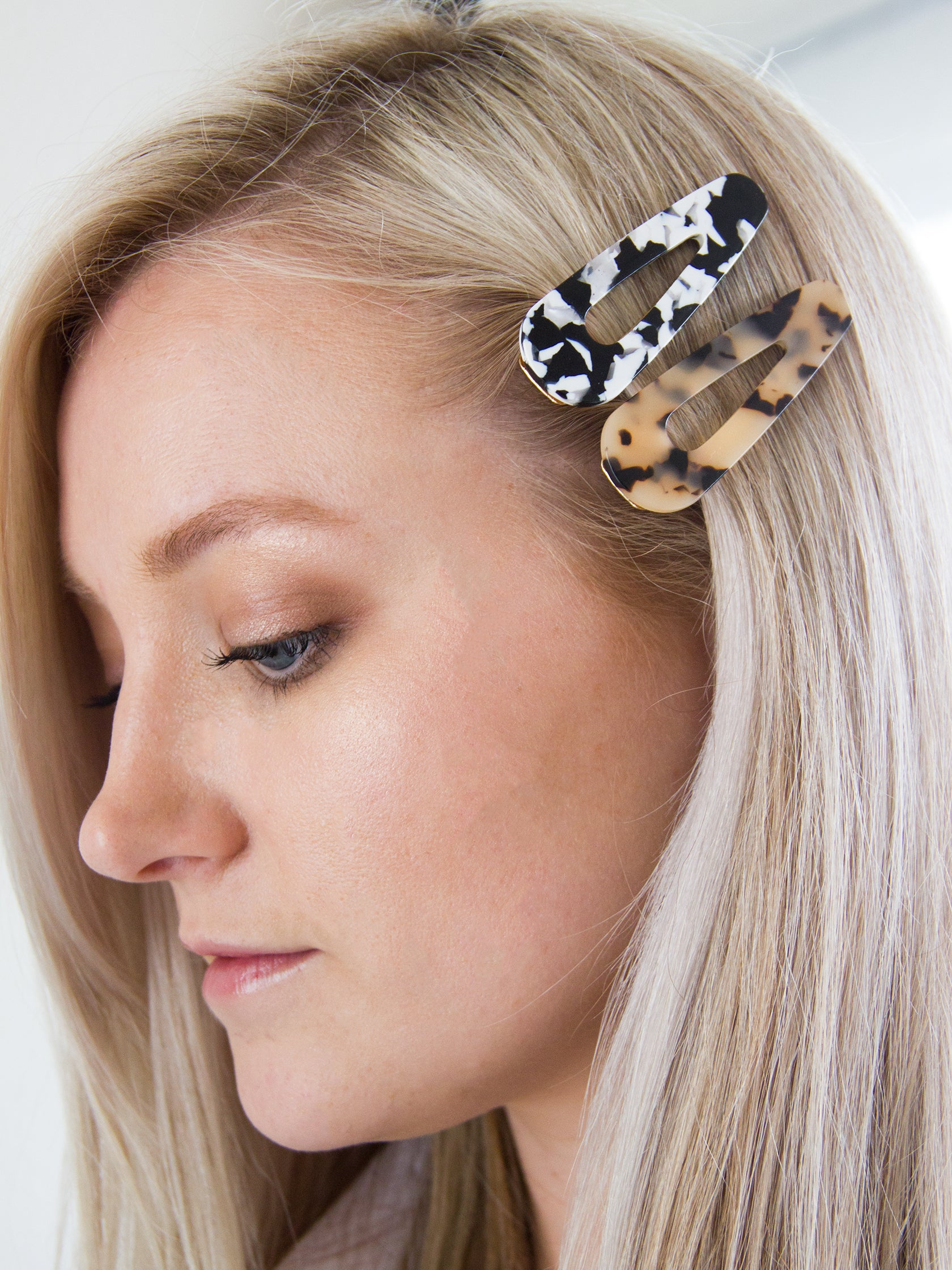 Girl outfit in a hair accessory rental from FashionPass called Into The Wild Hair Clips (set Of 2)