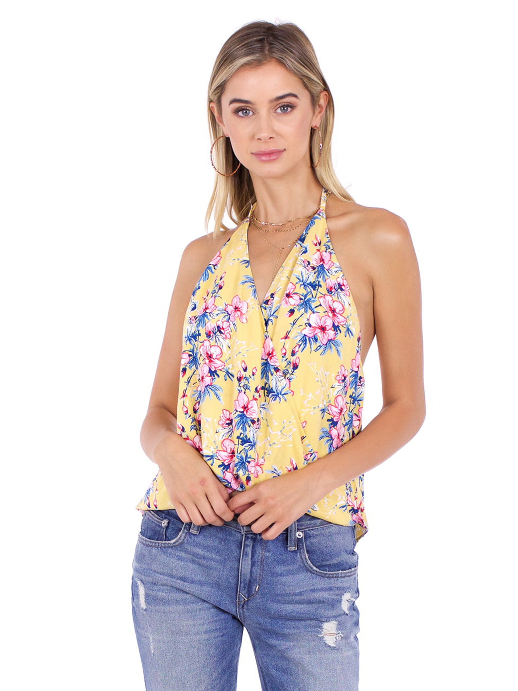 Woman wearing a top rental from FashionPass called Honey Floral Top