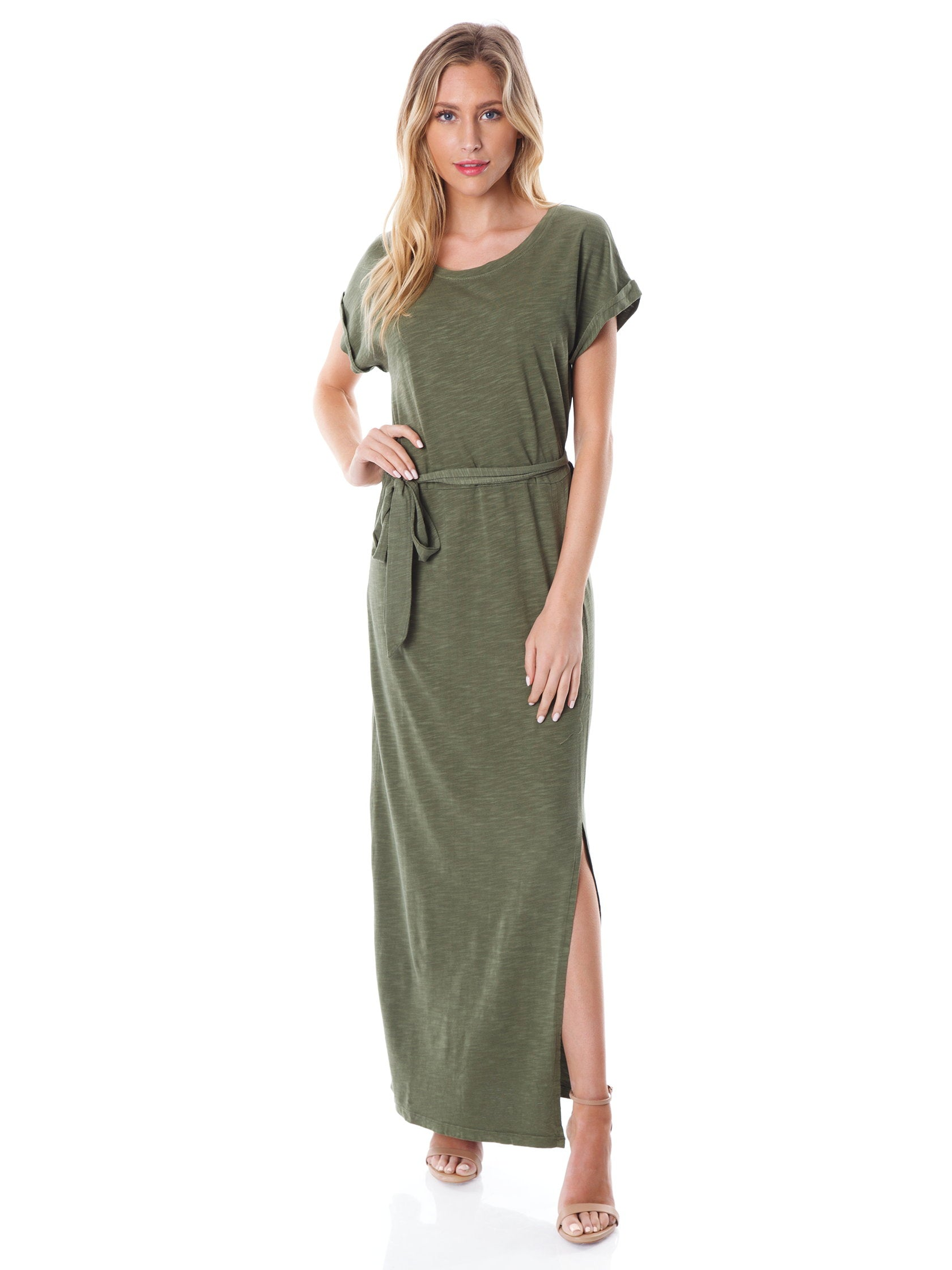 Girl outfit in a dress rental from SANCTUARY called Isle T-shirt Maxi Dress