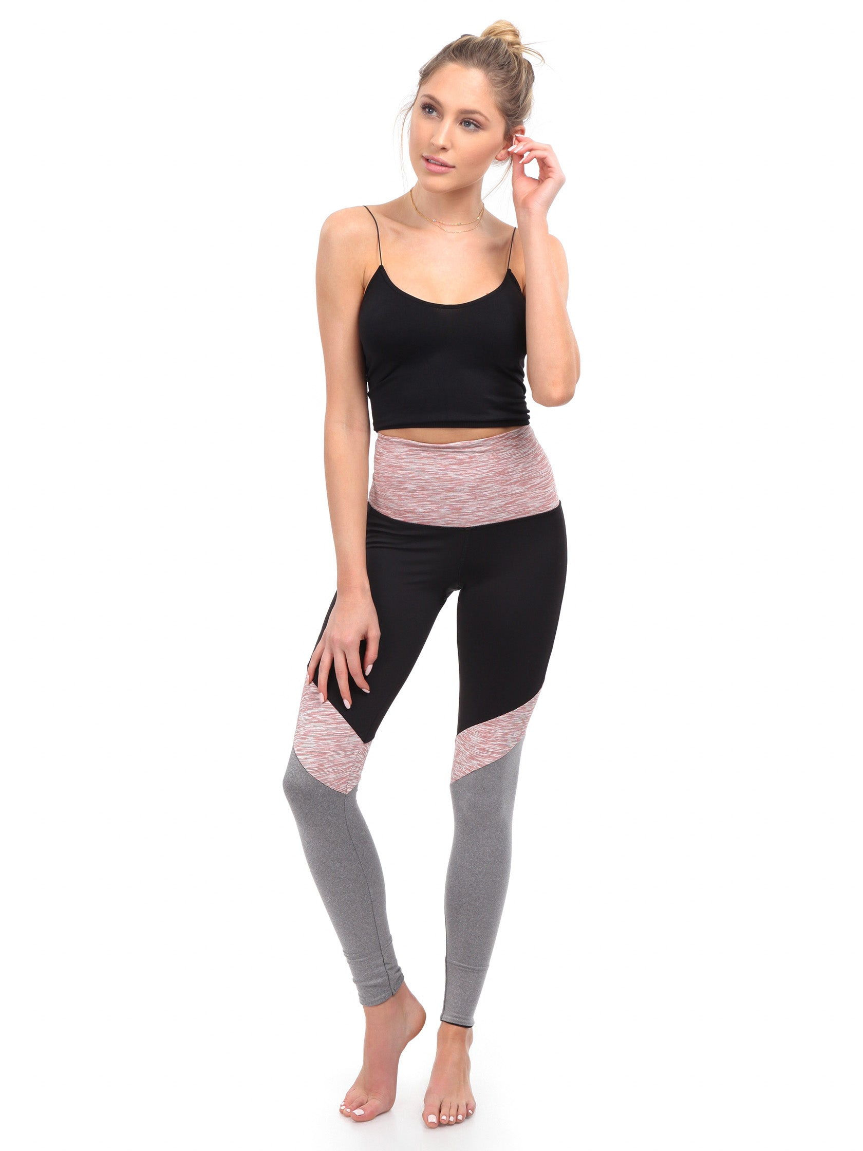 Girl outfit in a leggings rental from BEACH RIOT called Lacy Legging