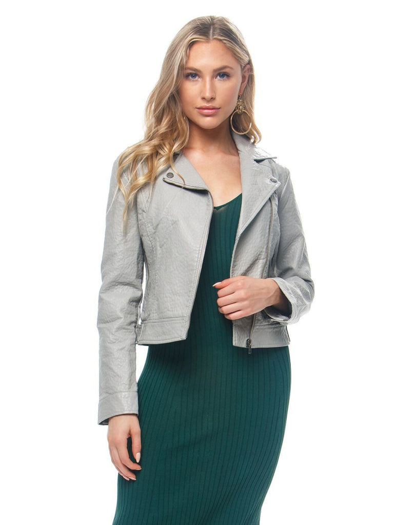 Women wearing a jacket rental from BB Dakota called Elle Linen Blazer